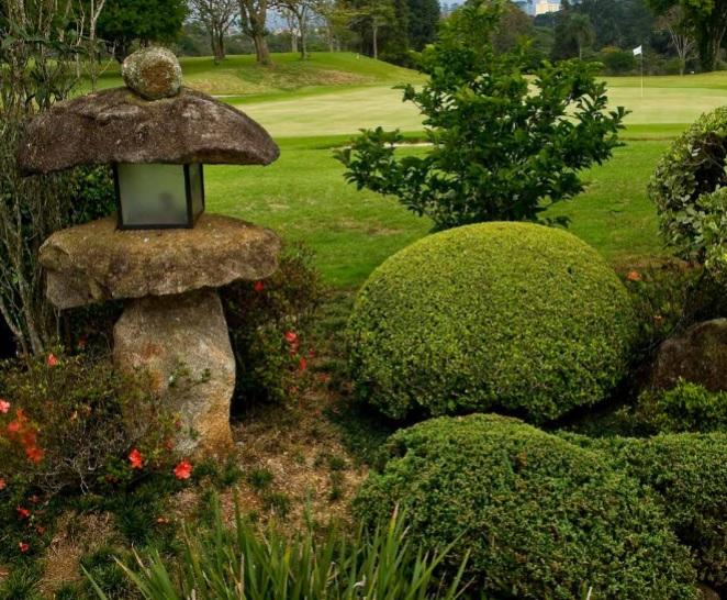 Jardim  japonês  entre a sede e os greens do 9 e 18