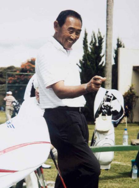 O profissional japonês Kazunari Takahashi no Arujá Golf Clube  em 2008, no Centenário da Imigração Japonesa